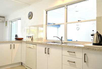 Spacious Kitchen/Living area - Stay At Port Douglas Beach House - Port Douglas Holiday Accommodation