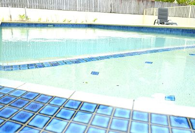 Large pool with swimout - Stay At Port Douglas Beach House - Port Douglas Holiday Accommodation