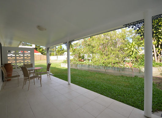 Port Douglas Beach House spacious verandah